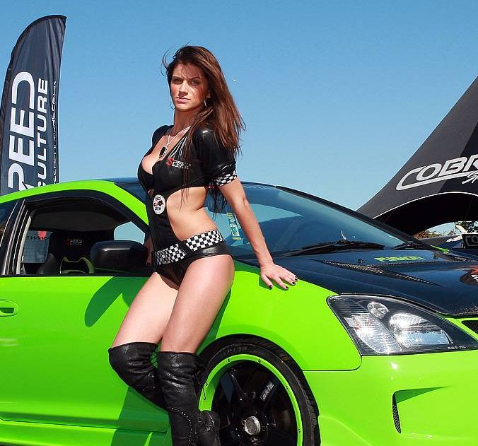 car-show-girls-1